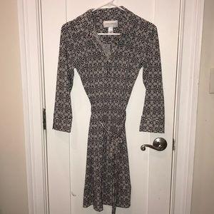 Donna Morgan Dress in Black/Cream! Size 4/Small.